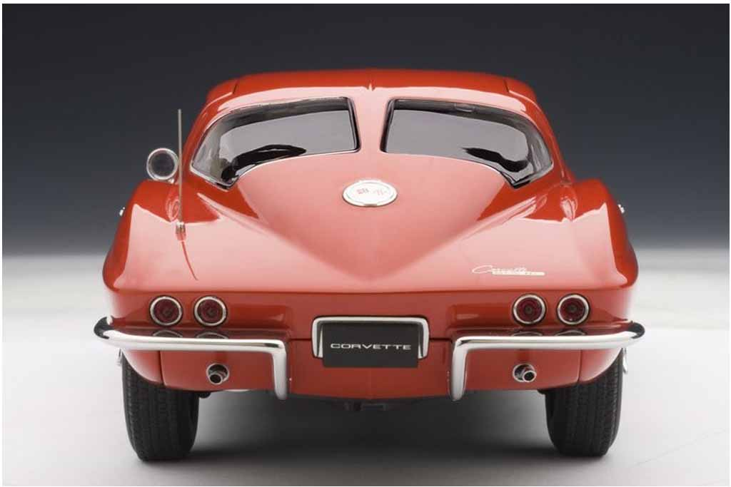 AUTOart 1963 Chevrolet Corvette Coupe (2)