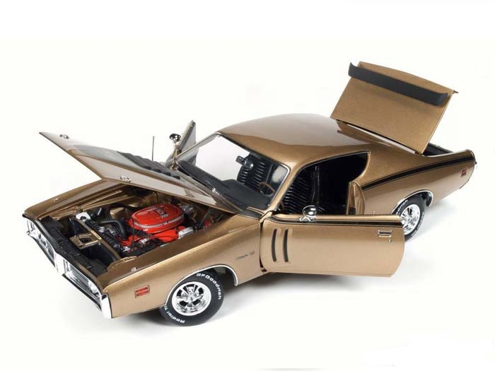AMM1086-R2-GOLD-1971-Dodge-Charger-RT (6)