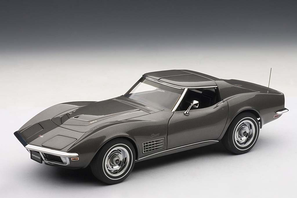 AUTOart-1963-Cheبvrolet-Corvette-Coupe-3