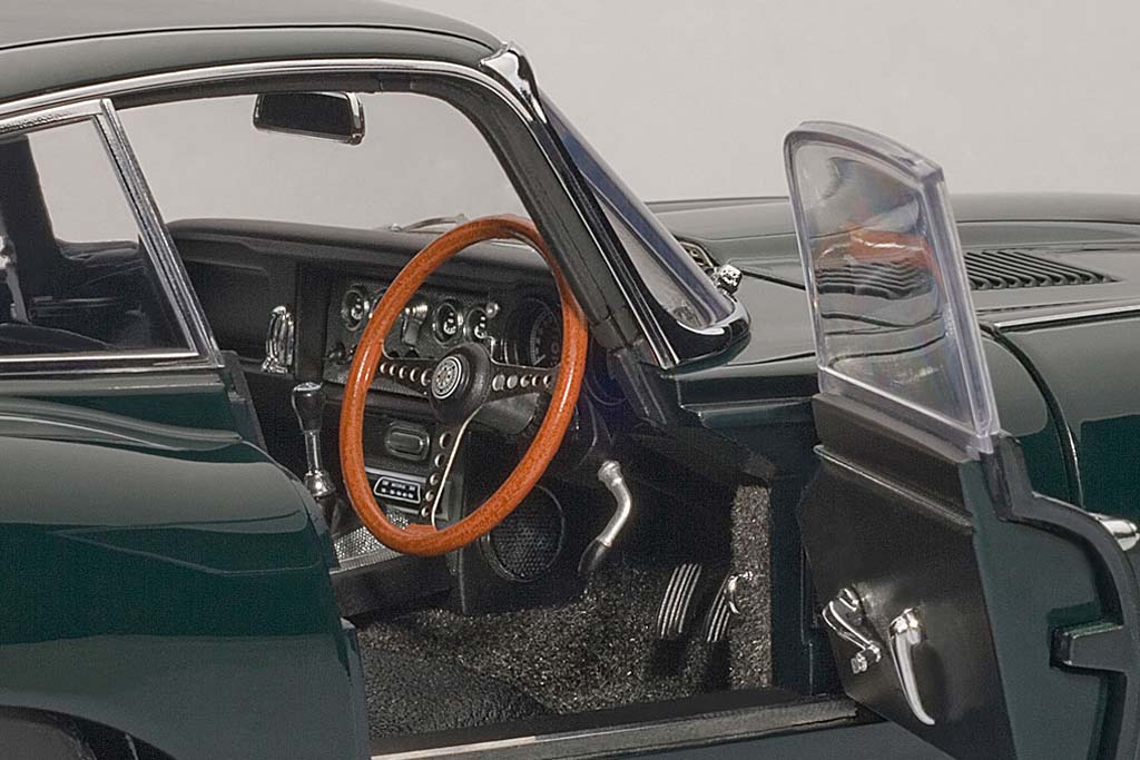 JAGUAR E-TYPE COUPE SERIES I 3 (2)