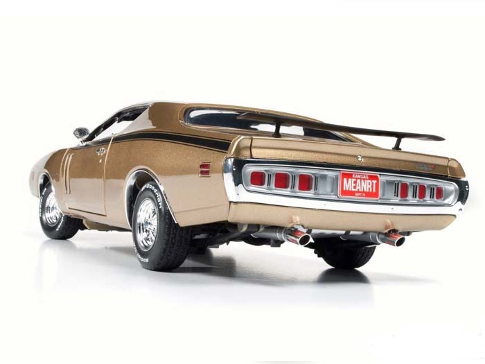 AMM1086-R2-GOLD-1971-Dodge-Charger-RT (2)